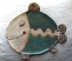 Pottery Animals, Ceramic Animals, Clay Animals, Slab Pottery, Ceramic Pottery, Pottery Plates, Ceramic Painting, Ceramic Art, Clay Fish