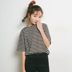 2017 New Arrival Fashion Women T-Shirts Black Short Sleeve Striped Base Casual Tees Cotton Woven O-Neck Tops Show thin  816