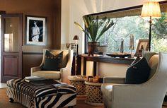 African Safari Decor Home Design Remodel - Home Interior Design African Interior Design, Home Interior Design, Interior Ideas, Deco Design, Design Case, African Living Rooms, African Bedroom, Safari Home Decor, Safari Decorations