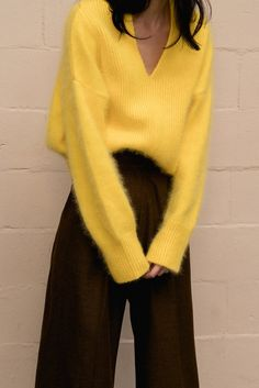 The Cecily angora sweater, long sleeved pullover with deep V-neck in yellow lambs wool blend. Dropped shoulder. - Loeil