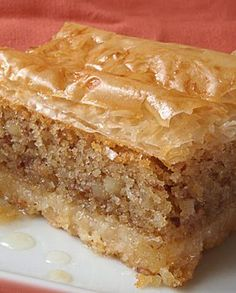 Flavors of Evia: Copenhagen: the traditional sweet of Evia Greek Sweets, Greek Desserts, Greek Recipes, Fun Desserts, Pastry Recipes, Sweets Recipes, Greek Cake, Greek Pastries, Desserts With Biscuits