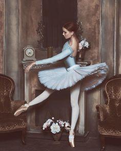 Bogdana Voloshina   lena.berkas_photo Dance Poses, Ballet Skirt, Pen And Wash, Ballerinas, Sculptures, Ballerina, Ballet, Dancers Pose, Dance Positions