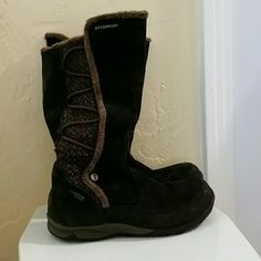 Salomon Winter Boots Zippered, fleece interior, great tread. Black with brown twead inlay. Thinsulate rated. Waterproof Shoes Winter & Rain Boots