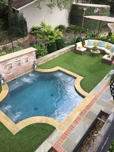 Small Backyard Ideas - Utilize our small backyard ideas as well as design-smart landscape design pointers to help your outdoor space live huge. Small Swimming Pools, Small Backyard Pools, Small Pools, Swimming Pools Backyard, Garden Pool, Outdoor Pool, Outdoor Spaces, Outdoor Decor, Small Patio