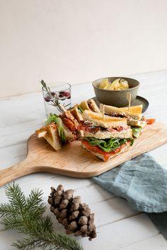 Club sandwich déjeuner au saumon fumé | Boulangerie St-Méthode Breakfast For Kids, Breakfast Recipes, Smoked Salmon, Quick Easy Meals, Grilling, Sandwiches, Cheese, Cooking, Healthy