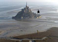 En images. L'archange du Mont-Saint-Michel s'est envolé dans le ciel