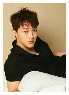 Jang Ki Yong ❤️ Korean Face, Korean Men, Asian Actors, Korean Actors, In The Air Tonight, Jung Il Woo, K Wallpaper, Kdrama Actors, Famous Men