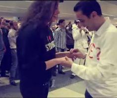 #فيديو و #صور: شاب لبناني يطلب الزواج من صديقته في مطار #بيروت وأمام الجميع #القيادي #منوعات #غرائب #اخبار_غريبة #Alqiyady