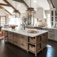 Farmhouse interior design ideas kitchen home decor kitchen, farmhouse kitch Farmhouse Kitchen Cabinets, Modern Farmhouse Kitchens, Farmhouse Interior, Home Kitchens, Rustic Farmhouse, Kitchen Rustic, Rustic Homes, Farmhouse Ideas, Farmhouse Lighting