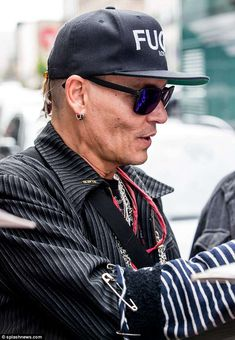 Johnny Depp looks notably thinner as he greets fans in Berlin Sherilyn Fenn, Johny Depp, Celebs, Celebrities, My Favorite Music, Famous Faces, Famous People, Beautiful People, Hollywood