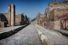 The ancient streets of Pompeii - an easy stop along the Circumvesuviana Train