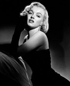 Estilo Marilyn Monroe, Fotos Marilyn Monroe, Marilyn Monroe Wallpaper, Marilyn Monroe Portrait, Marylin Monroe, Old Hollywood Glamour, Vintage Hollywood, Mode Glamour, Glam Photoshoot