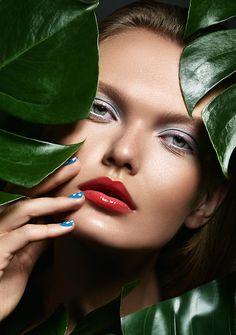 Laha Magazine Dior cosmetics on Behance Self Portrait Photography, Beauty Photography, Fashion Photography, Lipstick Photos, Cool Makeup Looks, Wedding Couple Poses Photography, Dior Beauty, Photoshoot Makeup, Beauty Shoot