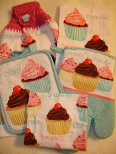 Items Similar To Cupcakes Kitchen Towel Set On Etsy