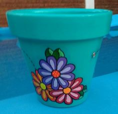 Clay Pot Projects, Clay Pot Crafts, Crafts To Make, Arts And Crafts, Flower Pot Art, Clay Flower Pots, Flower Pot Crafts, Painted Clay Pots, Painted Flower Pots