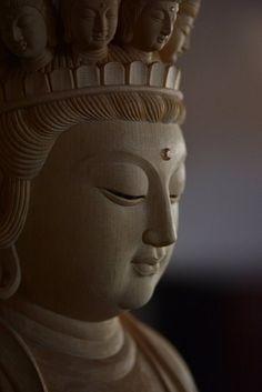 菩薩像 | 仏像販売・仏像彫刻の専門店の仏像彫刻原田 Free Spirit Tattoo, Thai Buddha Statue, Buddha Face, Buddha Sculpture, 17th Century Art, Guanyin, Buddhist Art, Angel Statues, Luxor Egypt