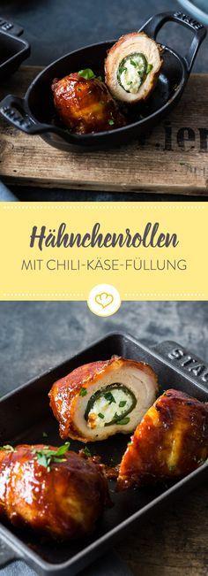 Achtung, Achtung! Die kleinen Hähnchenrollen haben es ordentlich in sich. Im Hähnchenfilet ist nämlich eine mit Käse gefüllte Jalapeno Chili eingerollt.