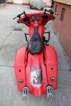 "Harley-Davidson Electra bagger ""Red Baron"" , Harley-Davidson chopper"