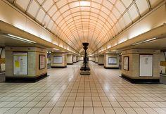 Gants Hill LUL Station