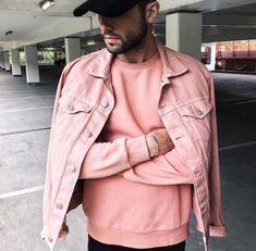 Verão 2018: look monocromático em rosa millennial.
