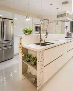 Cozinha linda, clean e moderna Beautiful Kitchen Designs, Beautiful Kitchens, Cool Kitchens, Kitchen Interior, Kitchen Decor, New Kitchen Inspiration, Interior Design Studio, Kitchen Backsplash, Kitchen Organization