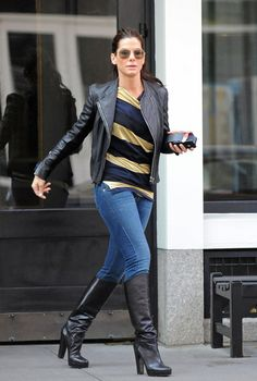 Sandra Bullock Photos: Sandra Bullock Runs Errands