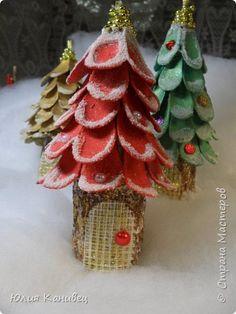 Мастер-класс Поделка изделие Новый год Моделирование конструирование Новогодние ёлочки-домики фото 1