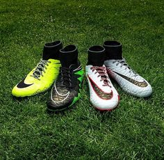 New boots of nike soccer. Nike Soccer Shoes, Soccer Boots, Football Shoes, Good Soccer Players, Soccer Fans, Soccer Cleats, Soccer Stuff, Neymar, Nike Shoes Tumblr