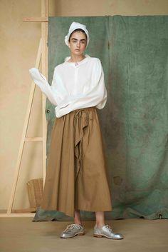 Y's Yohji Yamamoto - Spring 2017 Ready-to-Wear                                                                                                                                                                                 More