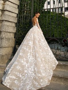 Most beautiful wedding dress! This is absolute goals. Dress from millanova