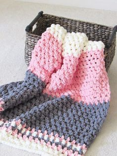 This free crochet baby blanket pattern works up in under 5 hours. You will love the texture and the softness of this blanket. 5 Hour Blanket, Free Crochet Baby Blanket Pattern Who wouldn't love making a free crochet baby blanket pattern that works up su Crochet Afghans, Afghan Crochet Patterns, Baby Patterns, Crochet Stitches, Tunisian Crochet, Free Baby Blanket Patterns, Bernat Baby Blanket, Blanket Yarn, Baby Blanket Crochet