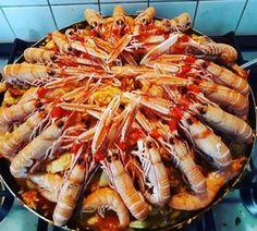 Ingrédients (10-12 personnes): – 300g de chorizo – 24 crevettes – 24 langoustines – 1,5kg de blanc de poulet – 750g de calamars – 1,5kg de moules – 700g de…