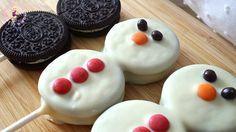 Recipes_for_Navidad_Doll_Muffins - Noel Christmas Snacks, Xmas Food, Christmas Cooking, Christmas Goodies, Holiday Treats, Holiday Recipes, Frozen Birthday Decorations, Frozen Kids, Oreo Pops
