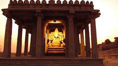 Kadale Kalu Ganesha, Hampi: