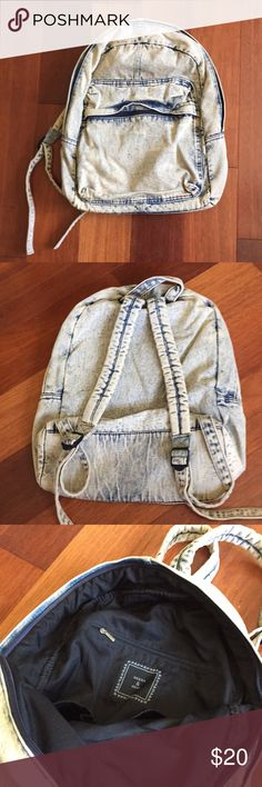 Deena & Ozzy Faded Denim Acid Wash Backpack From Urban Outfitters. Faded denim. Acid wash. Large Backpack. Will fit books, notebooks, reusable water bottles. Front pocket and main compartment. Zipper compartment inside. Good condition. Deena & Ozzy Bags Backpacks