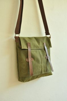 Waxed Canvas Military Green messenger tote leather by metaphore