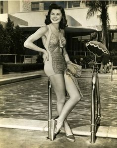 Esther Williams, 1943