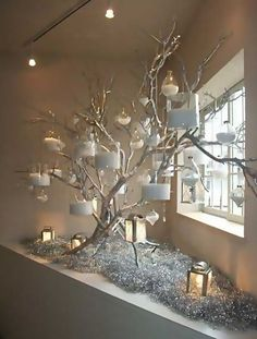 43 cheap diy christmas decorations ideas page 38 Christmas Decor Diy Cheap, Indoor Christmas Decorations, Christmas Home, Tree Decorations, Holiday Decor, Ideas For Christmas Trees, Christmas Crafts, Tree Branch Decor, Decorating With Tree Branches