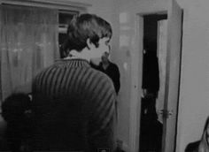 — Ok but how about some love for my man NOEL 😤😤😤💠Gene Gallagher, Liam Gallagher Oasis, Oasis Lyrics, Oasis Band, Liam And Noel, Where Do You Buy, Boy Celebrities, Britpop, Best Rock