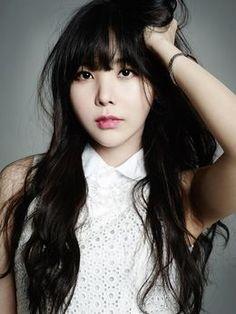 Oh Hye-rin aka Raina (After School, Orange Caramel) Kpop Girl Groups, Korean Girl Groups, Kpop Girls, Short Fringe Bangs, Jin, Akdong Musician, Orange Caramel, Brown Eyed Girls, Pledis Entertainment