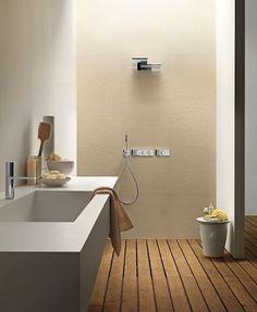 Une douche à l'italienne dans les tons de terre. http://www.m-habitat.fr/douche/types-de-douches/la-douche-a-l-italienne-279_A