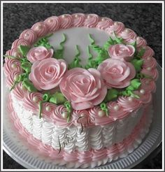 Love the decoration on this cake. Cake Decorating Designs, Cake Decorating Techniques, Cake Designs, Cookie Decorating, Pretty Cakes, Cute Cakes, Beautiful Cakes, Amazing Cakes, Unique Cakes