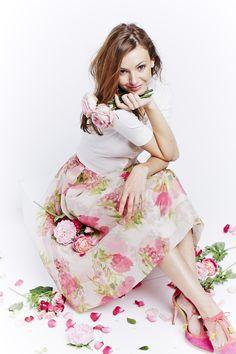 Boden printed floral Pandora Skirt and coral tasseled Alice Heels.