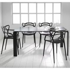 Nowoczesne krzesło biurowe noir  (1) Masters Chair, Dining Room, Dining Table, Kartell, Apt Ideas, Piece A Vivre, House Goals, Wishbone Chair, Kitchen Design