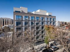 Named for the famed Marx Brothers, this new sevenstory, 33-unit residential building overlooks Kaufman Studios in Astoria, Queens. The seemingly simple, square fenestrations that characterize theMarx' façade providea layer of architectural detail and...