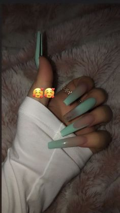 How to choose your fake nails? - My Nails Perfect Nails, Gorgeous Nails, Pretty Nails, Summer Acrylic Nails, Best Acrylic Nails, Summer Nails, Aycrlic Nails, Bling Nails, Matte Nails