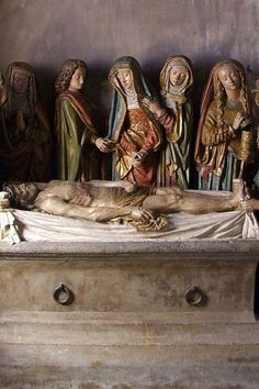 Salers Eglise saint matthieu mise au tombeau
