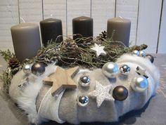 Adventskranz  * Glitzerzweige * von KRANZundCo. auf DaWanda.com