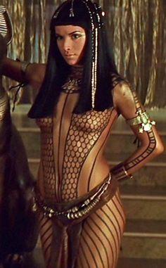 Patricia Velasquez  (The Mummy Returns) ... ok ... not really about EGYPT .. BUT I LIKE HER ...