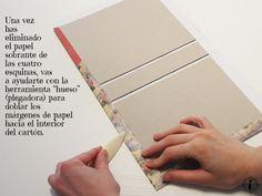 Envelope Books: Cloth Binding How-To Handmade Notebook, Handmade Books, Album Photo, Photo Book, Mini Albums, Cardboard Box Diy, Diy Agenda, Envelope Book, Bookbinding Tutorial